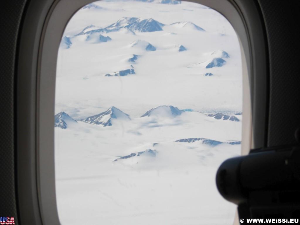 Irgendwo in Grönland. - Flugzeugkabine, Grönland