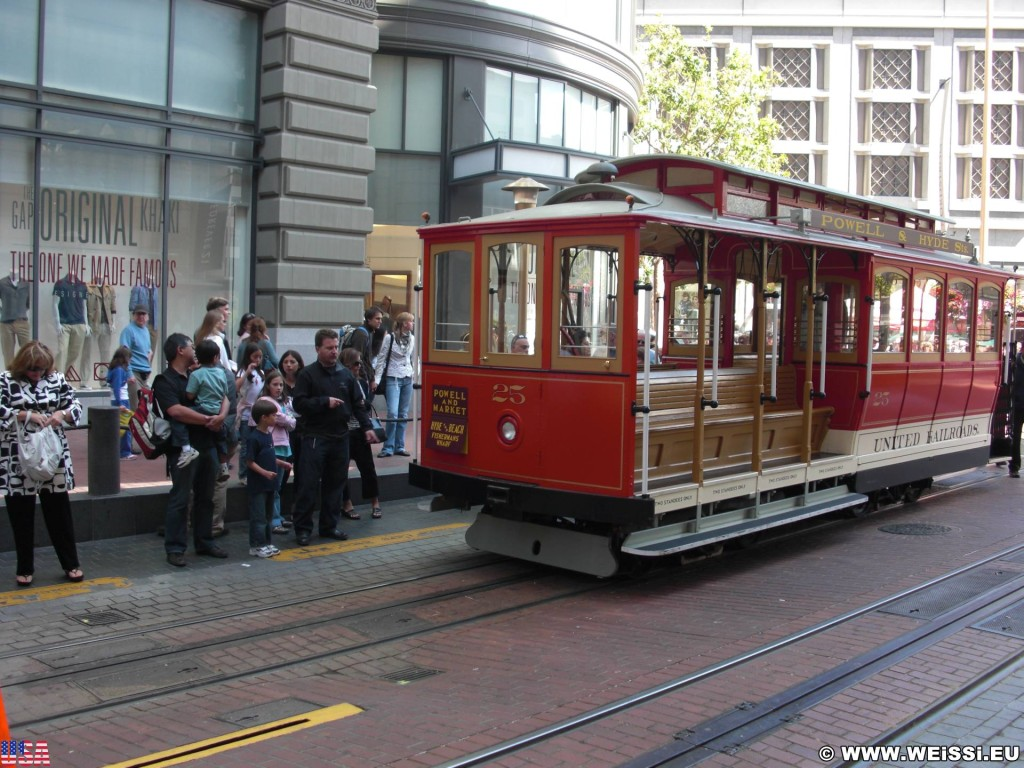 San Francisco. Cable Car - Powell Street. - Westküste, Cable Car, Cablecar, Powell Street, San Francisco - (Opera Plaza, San Francisco, California, Vereinigte Staaten)