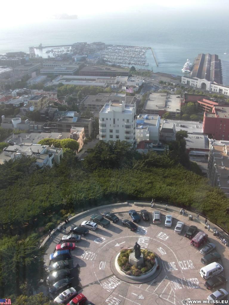 San Francisco. Ausblick vom Coit Tower. - Westküste, Coit Tower, Ausblick, Christoph Columbus Statue, San Francisco - (Little Italy, San Francisco, California, Vereinigte Staaten)