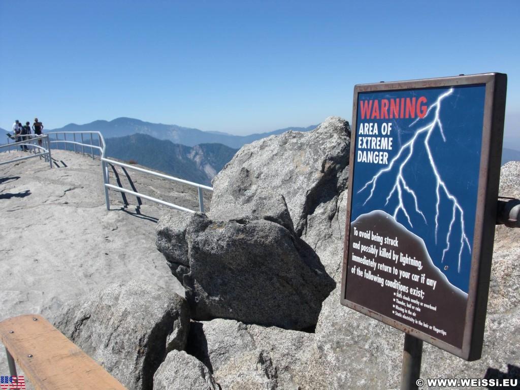 Sequoia National Park. - Schild, Tafel, Sequoia Nationalpark, Moro Rock - (Pinewood, Sequoia National Park, California, Vereinigte Staaten)