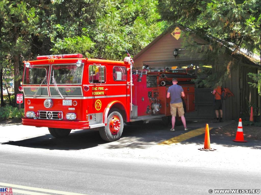 Yosemite National Park. - Feuerwehr, Feuerwehrauto, Yosemite Nationalpark, Yosemite Valley - (Yosemite Village, Yosemite National Park, California, Vereinigte Staaten)