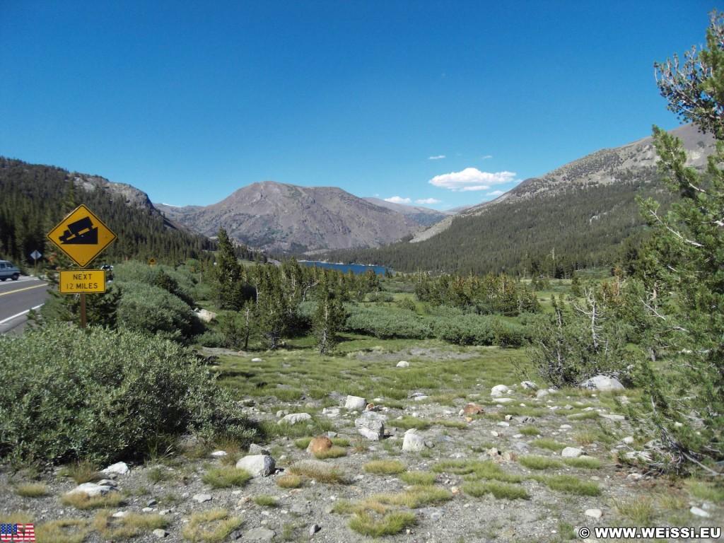 Yosemite National Park. - Landschaft, Panorama, See, Tioga Pass, Gebirgssee, Tioga Lake - (Lundy, Yosemite National Park, California, Vereinigte Staaten)