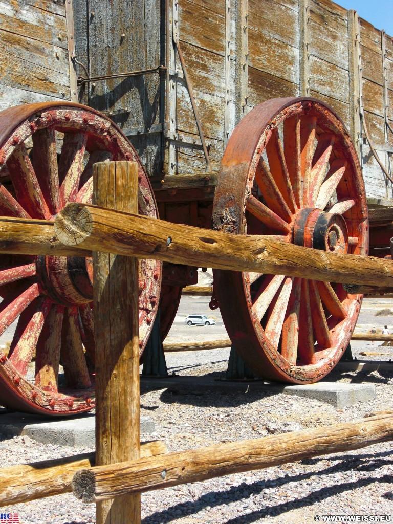 Death Valley National Park. - Death-Valley-Nationalpark, Harmony Borax Works, Wasser Borax Wagen Fuhrwerk - (Indian Village, Death Valley, California, Vereinigte Staaten)