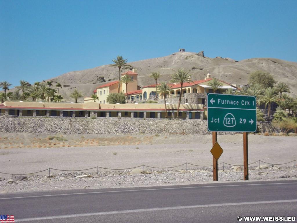 Death Valley National Park. - Schild, Tafel, Wegweiser, Death-Valley-Nationalpark, Furnace Creek Inn - (Furnace Creek, Death Valley, California, Vereinigte Staaten)