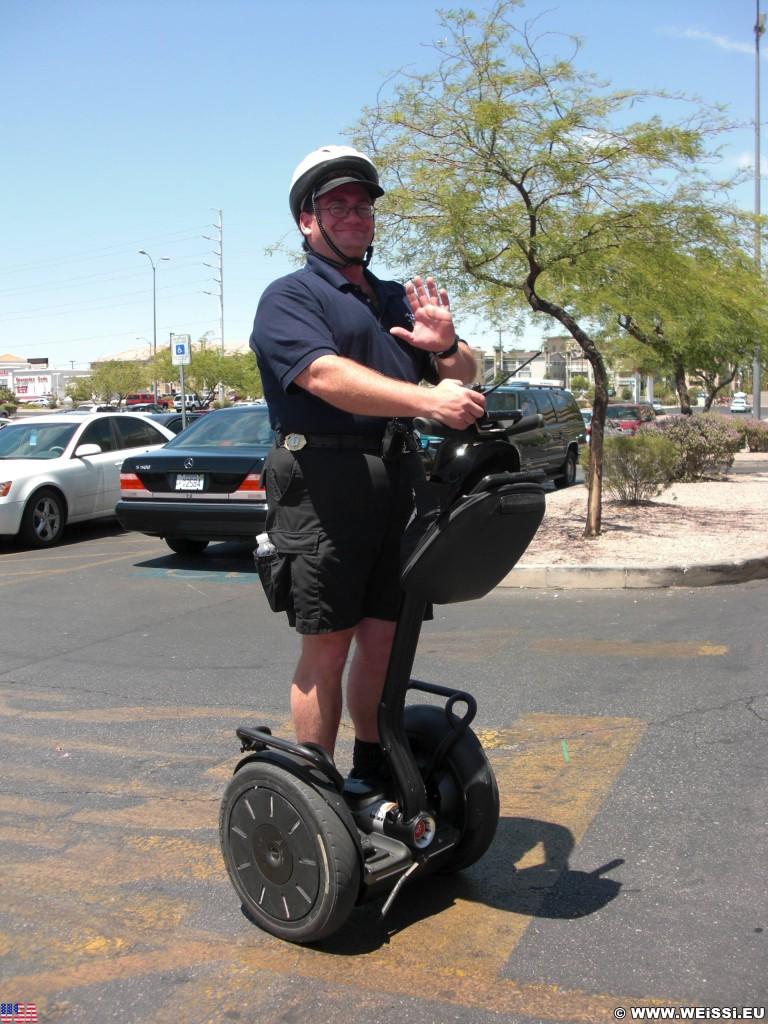 Las Vegas. - Las Vegas, Cop, Polizist, Segway - (Boulder Junction, Las Vegas, Nevada, Vereinigte Staaten)
