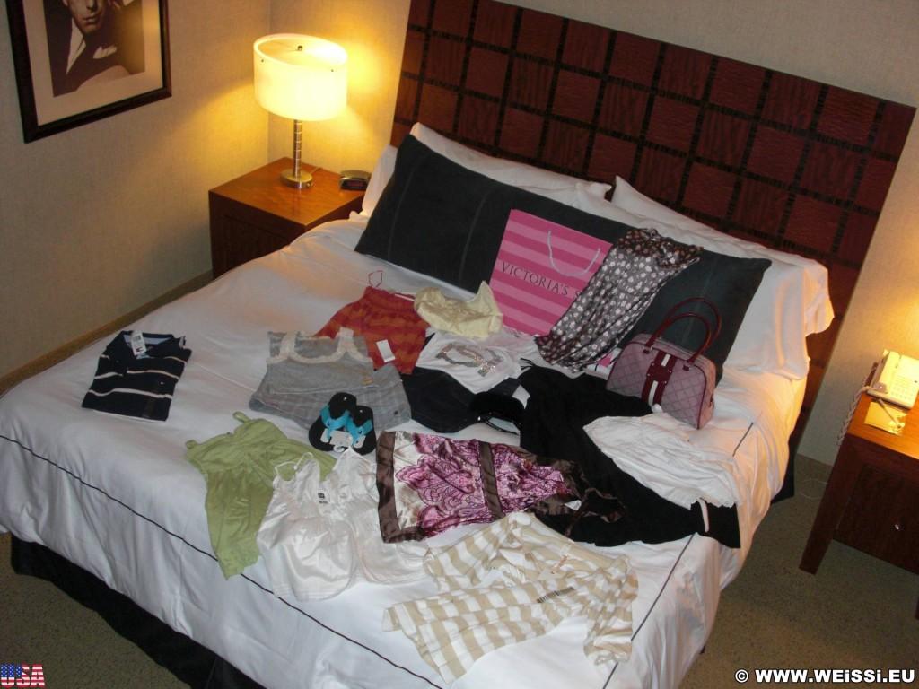Las Vegas. - Unterkunft, Zimmer, Las Vegas, MGM Grand Hotel, Bett, Einkauf - (Bracken, Las Vegas, Nevada, Vereinigte Staaten)