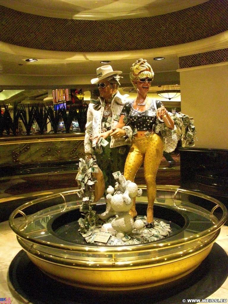 Las Vegas. - Las Vegas, Statue, Skulpturen, Figuren, Harrahs Hotel, The Greenbacks, Buck, Winnie, Buck & Winnie - (Bracken, Las Vegas, Nevada, Vereinigte Staaten)