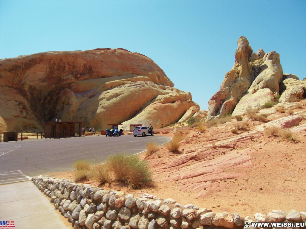 Valley of Fire State Park. White Domes Picnic Area - Valley of Fire State Park. - Felsen, Felsformation, Valley of Fire State Park, Sandstein, Sandsteinformationen, Erosion, White Domes, Picnic Area - (Valley of Fire State Park, Overton, Nevada, Vereinigte Staaten)