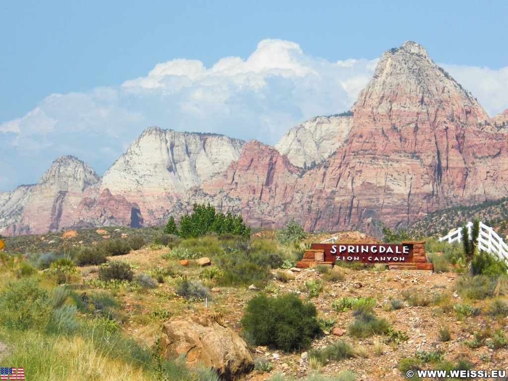 Zion National Park. - Schild, Landschaft, Ankünder, Einfahrtsschild, Berg, Bridge Mountain, Zion National Park - (Rockville, Springdale, Utah, Vereinigte Staaten)