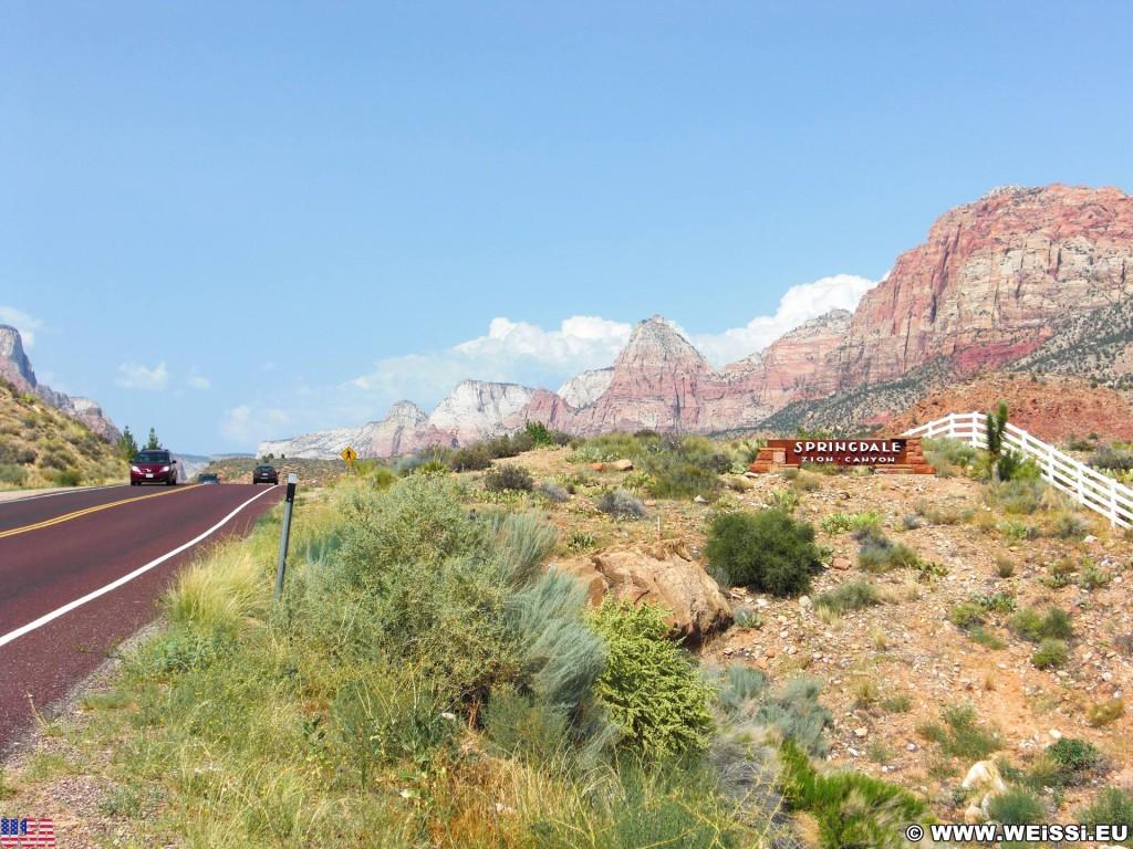 Zion National Park. - Schild, Landschaft, Ankünder, Einfahrtsschild, Bridge Mountain, Zion National Park, The Watchmen - (Rockville, Springdale, Utah, Vereinigte Staaten)