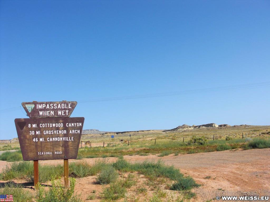 Cottonwood Canyon Road. - Schild, Landschaft, Tafel, Ankünder, Cottonwood Canyon Road, Grand Staircase Escalante National Monument - (Big Water, Kanab, Utah, Vereinigte Staaten)