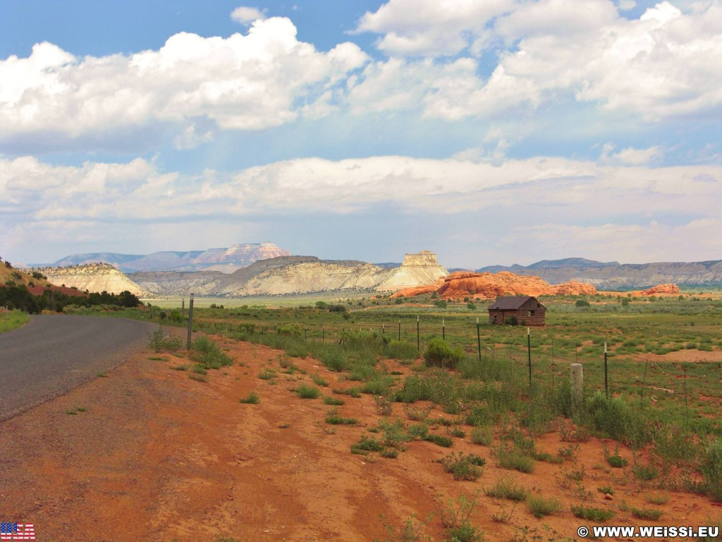 On the road. - Landschaft, Cottonwood Canyon Road, Grand Staircase Escalante National Monument - (Georgetown, Cannonville, Utah, Vereinigte Staaten)