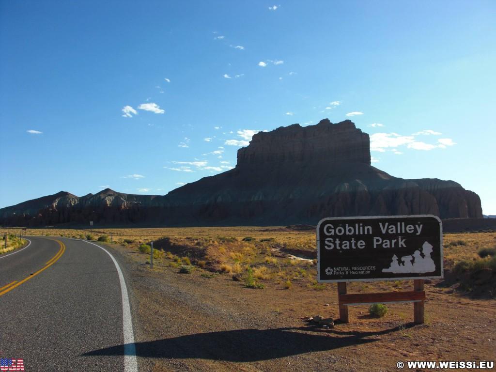 Goblin Valley State Park. - Strasse, Schild, Landschaft, Tafel, Wegweiser, State Park, Goblin Valley, Mushroom Valley - (Hanksville, Green River, Utah, Vereinigte Staaten)