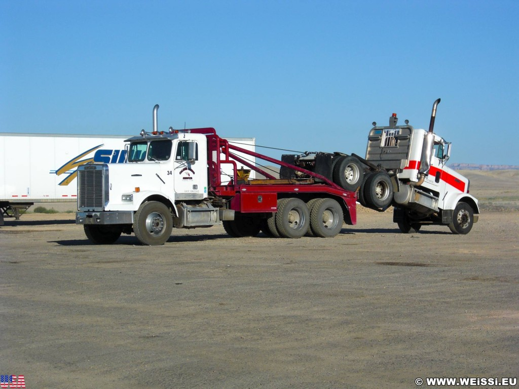 On the road. - Tankstelle, Truck, LKW, On the Road, Gas N Go, Conoco, Truck Stop - (Green River, Utah, Vereinigte Staaten)