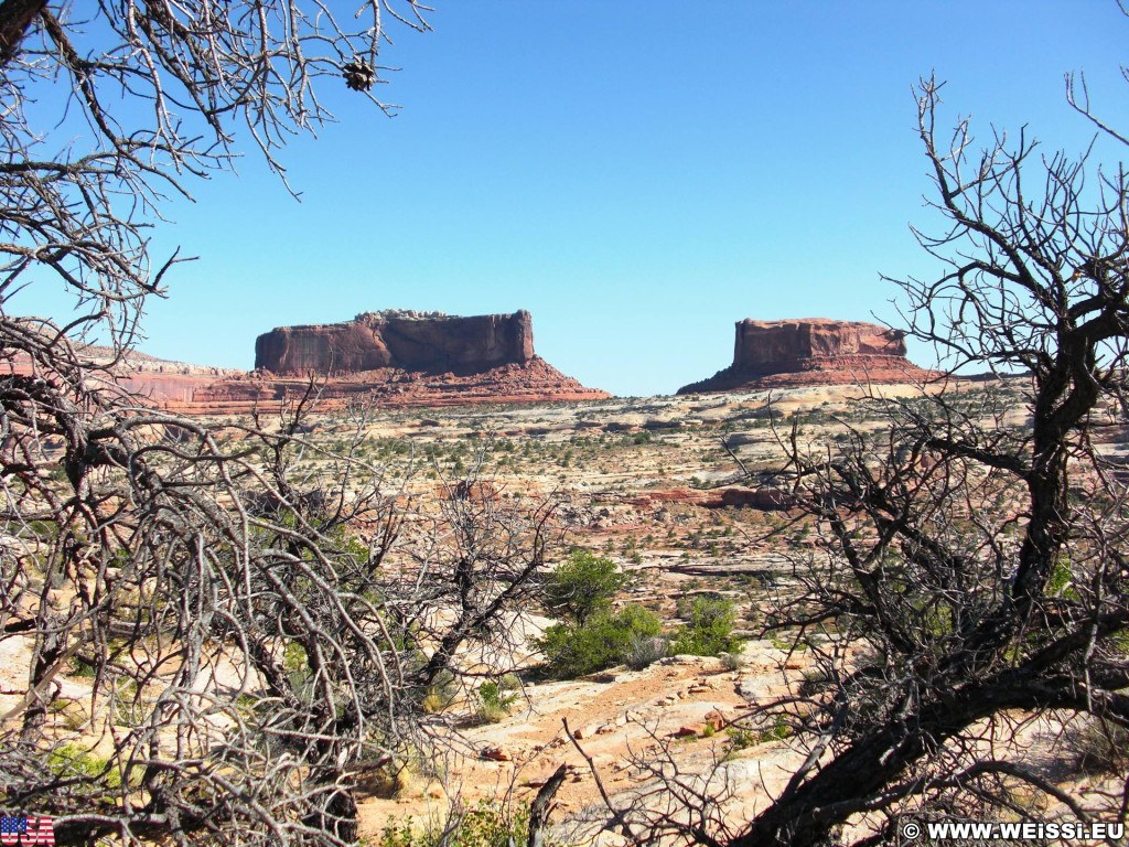 On the road. - Landschaft, Berg, On the Road, Sandstein, Sandsteinformationen, Butte, Hügel - (Moab, Utah, Vereinigte Staaten)