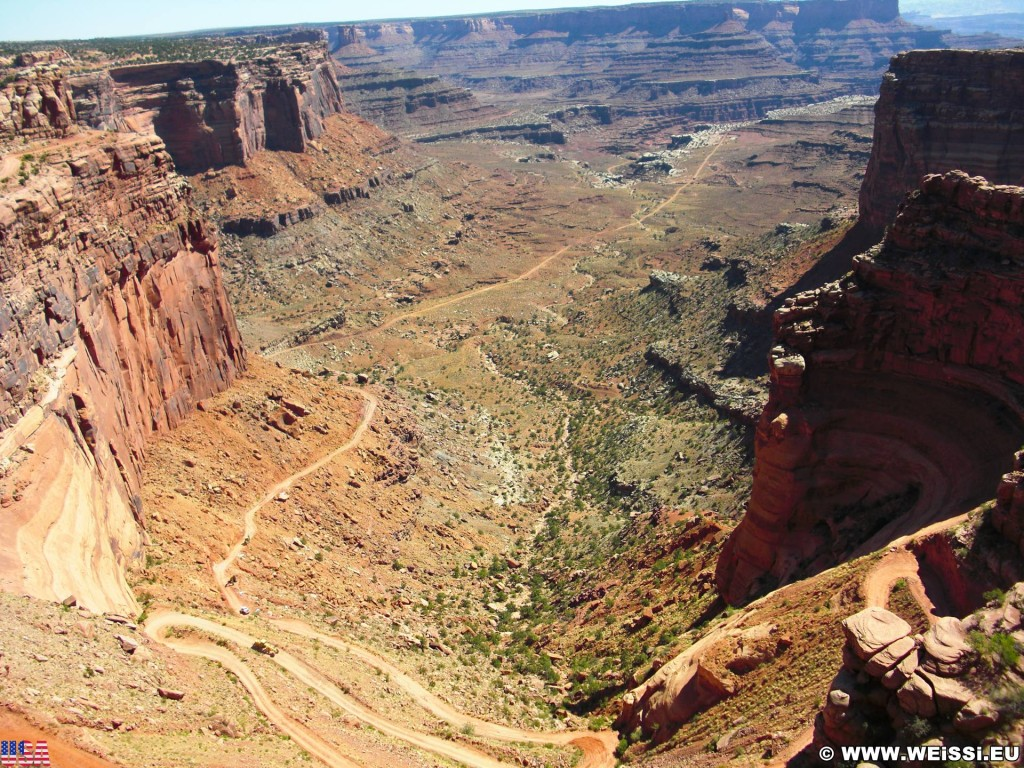 Canyonlands National Park. Shafer Canyon - Canyonlands National Park. - kurvenreich, Serpentinen, Strasse, Landschaft, Aussichtspunkt, Felswand, Sandstein, Canyon, Overlook, Canyonlands National Park, Shafer Canyon Overlook - (Moab, Utah, Vereinigte Staaten)