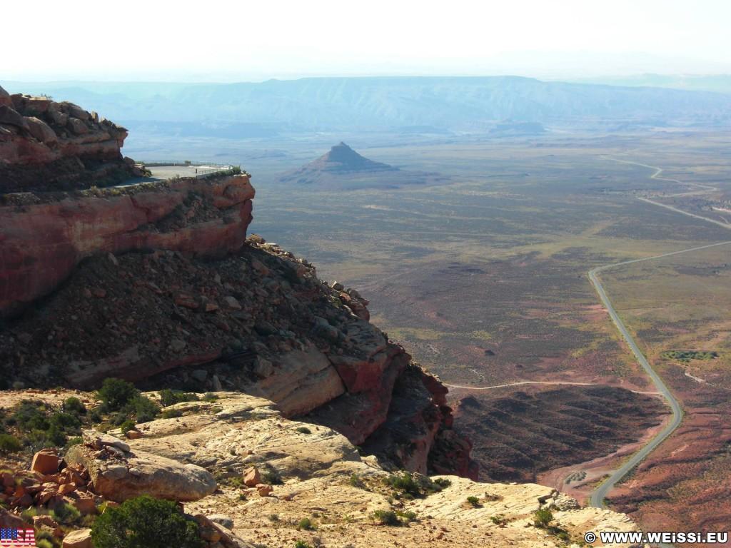 Moki Dugway, State Route 261 - Scenic Byway. - Landschaft, Scenic Byway, Moki Dugway, State Route 261 - (Mexican Hat, Utah, Vereinigte Staaten)