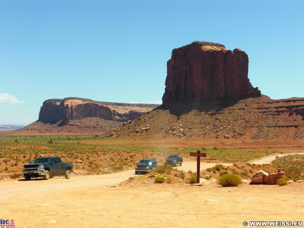Monument Valley. Elephant Butte - Monument Valley. - Monument Valley, Navajo-Nation-Reservation, Tafelberge, Landschaft, Sandstein, Sandsteinformationen, Butte, Tribal Park, Elephant Butte - (Goulding, Kayenta, Arizona, Vereinigte Staaten)