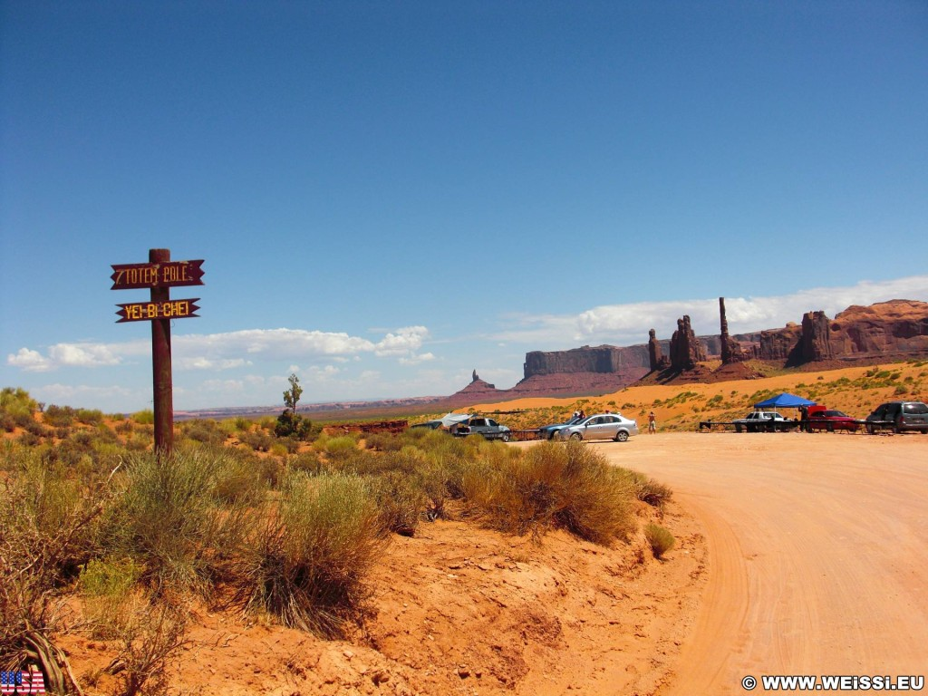Monument Valley. Totem Pole - Monument Valley. - Monument Valley, Navajo-Nation-Reservation, Tafelberge, Landschaft, Sandstein, Sandsteinformationen, Tribal Park, Totem Pole - (Goulding, Kayenta, Arizona, Vereinigte Staaten)