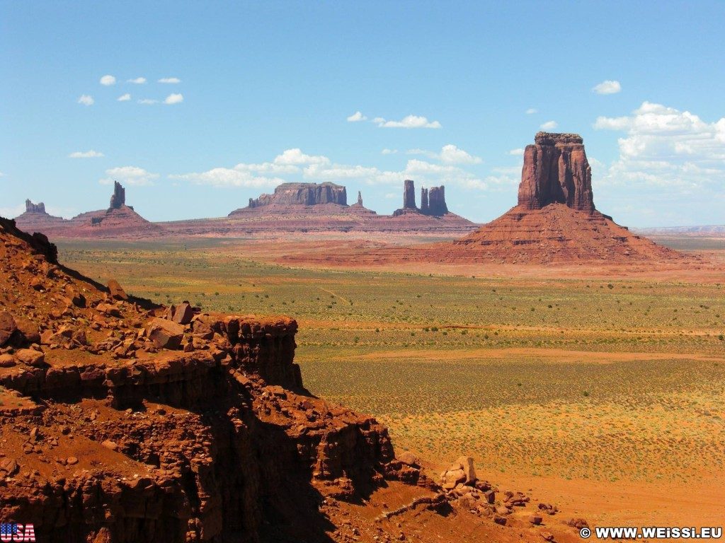 Monument Valley. North Window - Monument Valley. - Monument Valley, Navajo-Nation-Reservation, Tafelberge, Landschaft, Sandstein, Sandsteinformationen, Castle Butte, Tribal Park, Bear & Rabbit, Big Indian, North Window, East Mitten Butte - (Goulding, Kayenta, Arizona, Vereinigte Staaten)