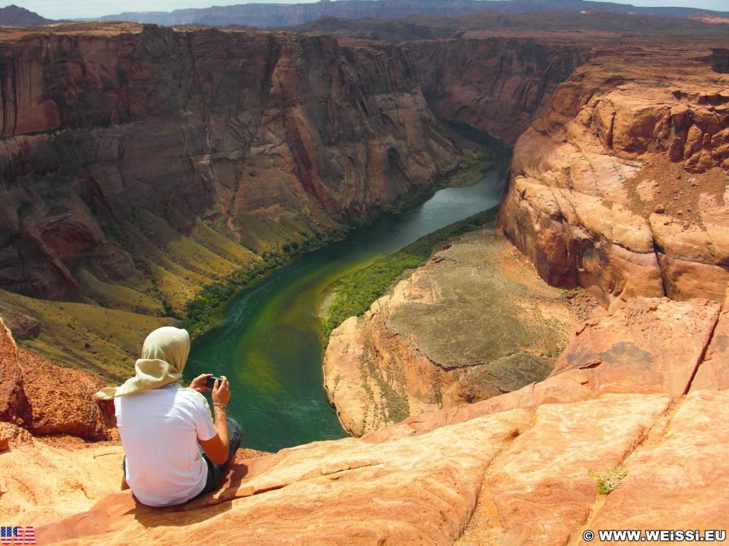 Horseshoe Bend. - Landschaft, Felsen, Felswand, Sandstein, Colorado River, Horseshoe Bend, King Bend, Mäander, Flussschlinge - (Page, Arizona, Vereinigte Staaten)