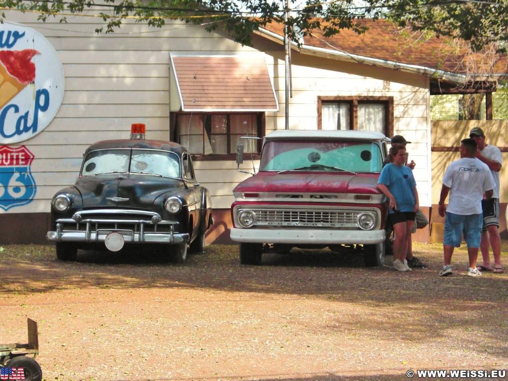 Historic Route 66. - Auto, Route 66, Seligman - (Seligman, Arizona, Vereinigte Staaten)