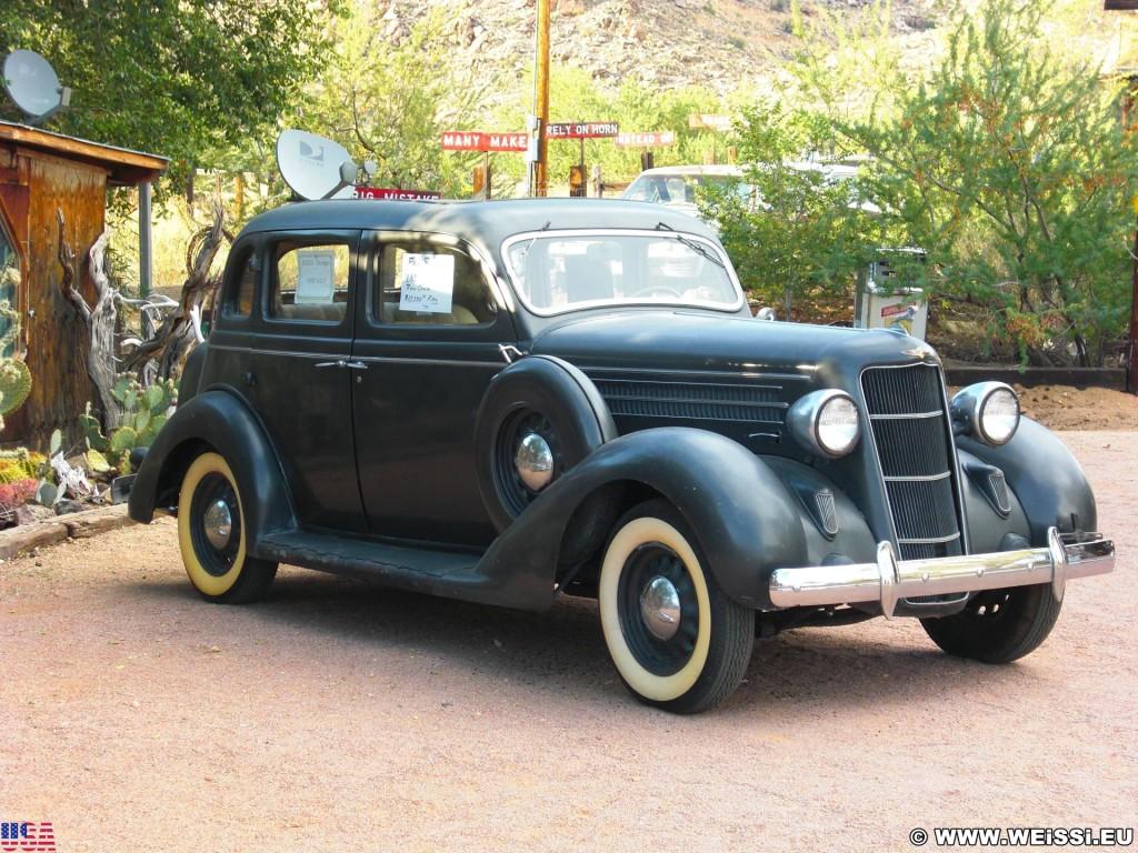 Historic Route 66. - Auto, Route 66, Dodge, Hackberry, 1935 Dodge - (Hackberry, Kingman, Arizona, Vereinigte Staaten)