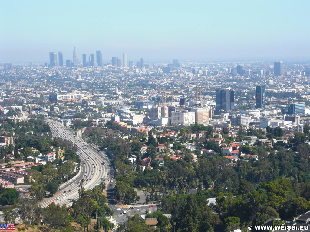 Los Angeles. Mulholland Drive - Los Angeles. - Aussichtspunkt, Overlook, Los Angeles, Bowl Overlook, Mulholland Drive, Downtown - (Hollywood, Los Angeles, California, Vereinigte Staaten)