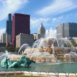 Buckingham Fountain. während des Bank of America Marathon.. - Skyline, CNA Center, Willis Tower, Park Row, Buckingham Fountain, Legacy Tower, Metropolitan Tower, Mid-Continental Plaza - (Park Row, Chicago, Illinois, Vereinigte Staaten)