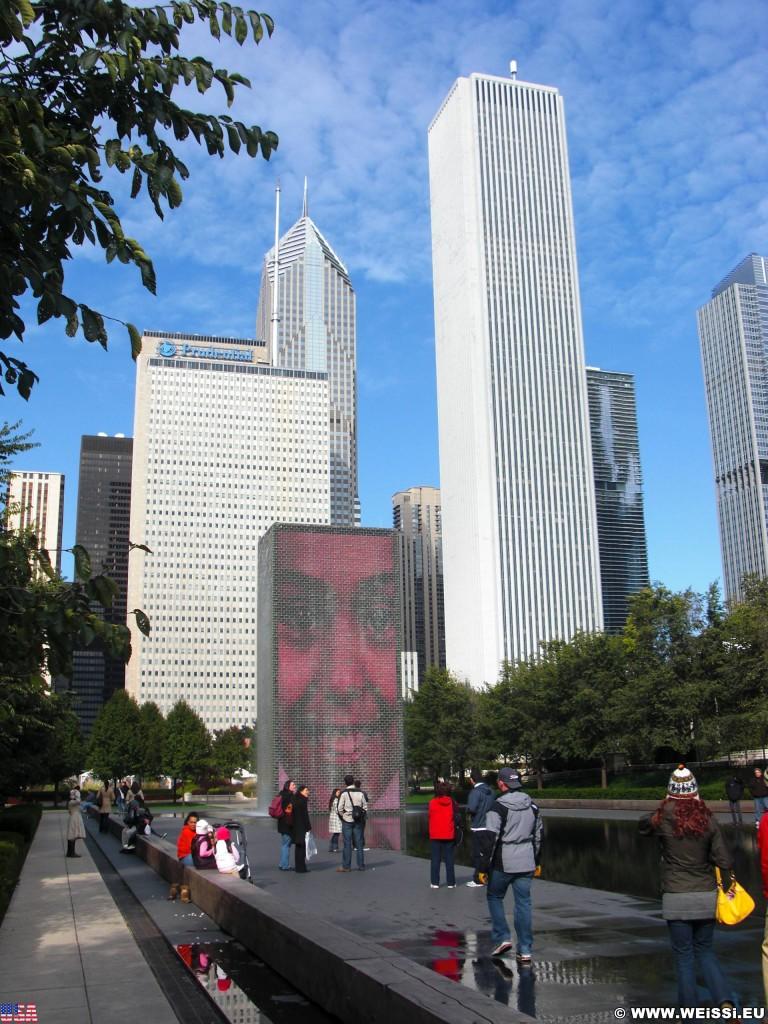 Crown Fountain. im Millenium Park. - Fort Dearborn Addition, Aon Center, Crown Fountain, Two Prudential Plaza, One Prudential Plaza - (Fort Dearborn Addition, Chicago, Illinois, Vereinigte Staaten)