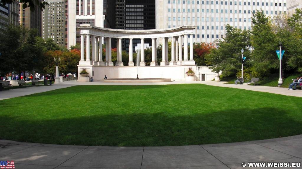 Wrigley Square. im Millenium Park. - Fort Dearborn Addition, Wrigley Square - (Fort Dearborn Addition, Chicago, Illinois, Vereinigte Staaten)