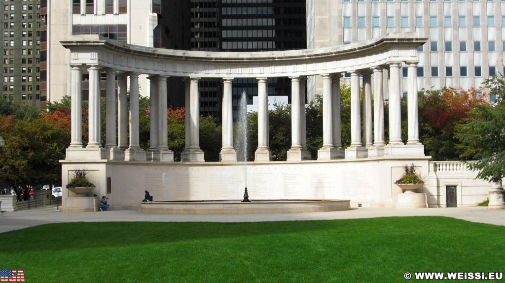 Wrigley Square. im Millenium Park. - Fort Dearborn Addition - (Fort Dearborn Addition, Chicago, Illinois, Vereinigte Staaten)