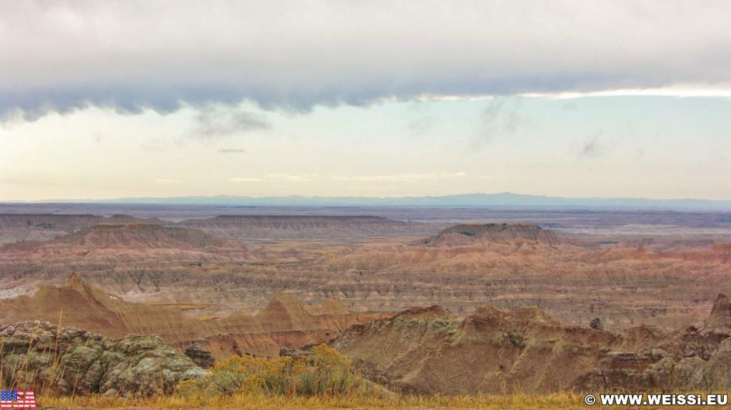 Badlands-Nationalpark. - Landschaft, Felsen, Sandstein, Sandsteinformationen, Erosion, Hügel, National Park, Badlands-Nationalpark, Badlands Loop Road, Gipfel - (Wall, Scenic, South Dakota, Vereinigte Staaten)