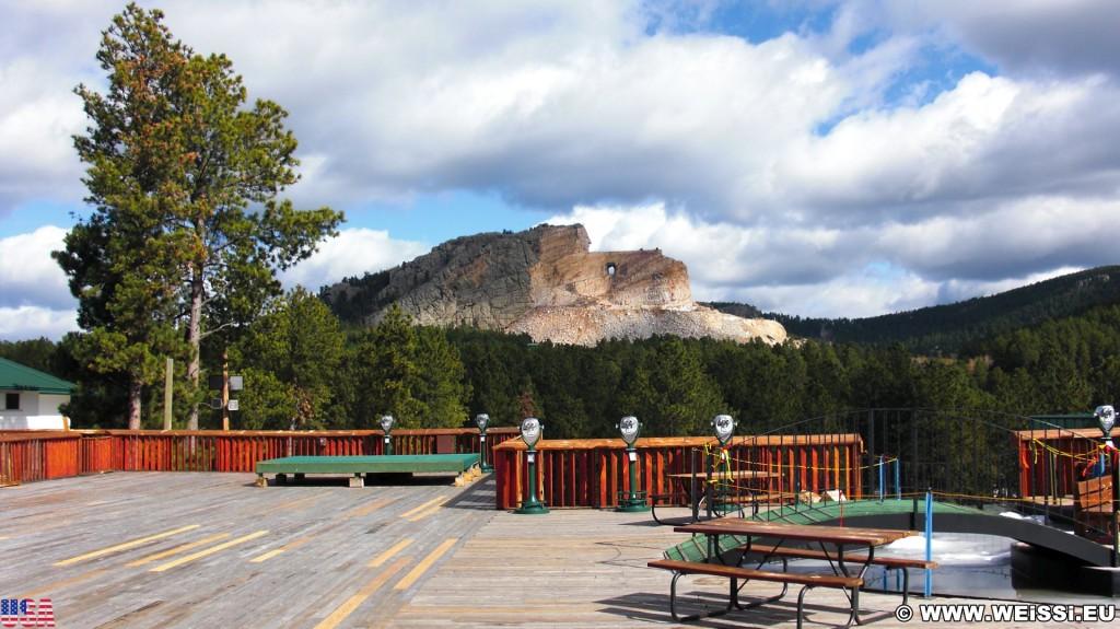 Crazy Horse Memorial. - Bäume, Felsformation, Berg, Felswand, Skulptur, Gesicht, Black Hills, Granit, Berne, Crazy Horse Memorial, Custer, Crazy Horse, Thunderhead Mountain, Korczak Ziolkowski - (Berne, Custer, South Dakota, Vereinigte Staaten)