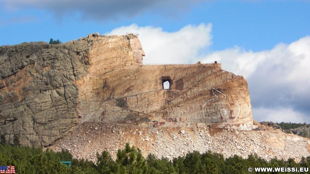 Crazy Horse Memorial. - Felsformation, Berg, Felswand, Skulptur, Gesicht, Black Hills, Granit, Berne, Crazy Horse Memorial, Custer, Crazy Horse, Thunderhead Mountain, Korczak Ziolkowski - (Berne, Custer, South Dakota, Vereinigte Staaten)