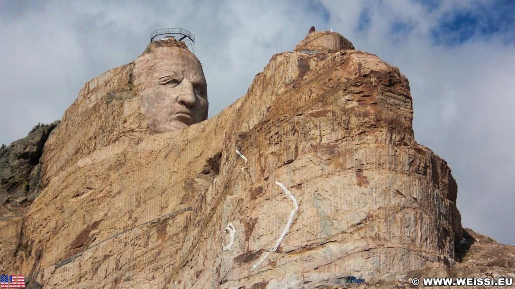 Crazy Horse Memorial. - Felsformation, Berg, Felswand, Skulptur, Gesicht, Black Hills, Granit, Berne, Crazy Horse Memorial, Custer, Crazy Horse, Thunderhead Mountain, Korczak Ziolkowski, Kopf - (Berne, Custer, South Dakota, Vereinigte Staaten)