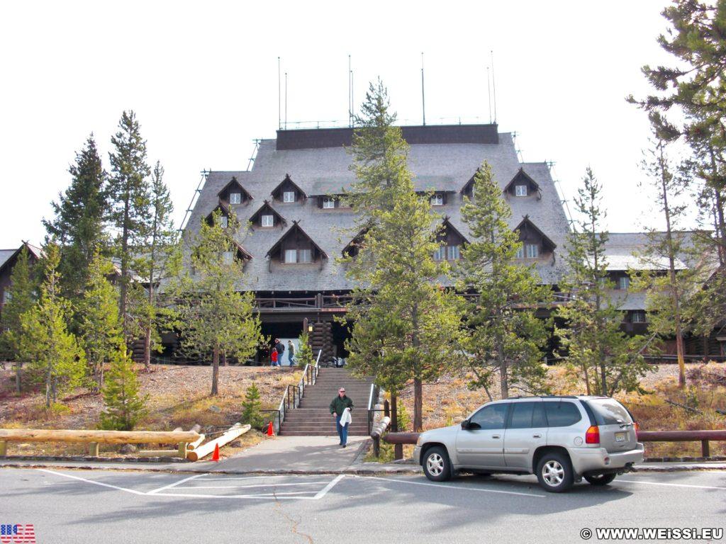Yellowstone-Nationalpark. Old Faithful Inn in der Old Faithful Area - Upper Geyser Basin South Section. - Hotel, Unterkunft, Old Faithful Area, Upper Geyser Basin South Section, Old Faithful Inn - (Three River Junction, Yellowstone National Park, Wyoming, Vereinigte Staaten)