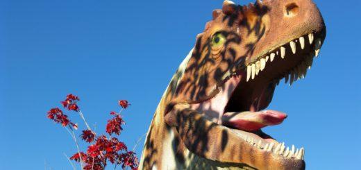 Vernal - Dinoland. Allosaurus im State Park Museum in Vernal. - Tier, Skulptur, Statue, Dinosaurier, Allosaurus, Theropoda - (Vernal, Utah, Vereinigte Staaten)