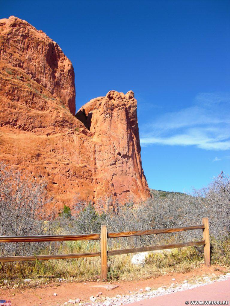 Garden of the Gods - Central Garden Trail. Am Central Garden Trail finden sich viele schöne Motive. Hier im Bild der Tower of Babel.. - Sehenswürdigkeit, Sandstein, Sandsteinformationen, Park, Ausflugsziel, Garten der Götter, Naturpark, sehenswert, Central Garden Trail, Tower of Babel - (Glen Eyrie, Colorado Springs, Colorado, Vereinigte Staaten)